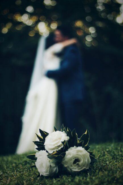 عروس و داماد و دسته گل برای حنابندان