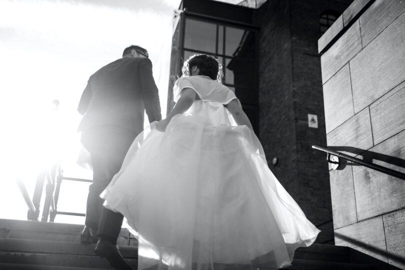 عروس و داماد در برگزاری مراسم حنابندان و عروسی