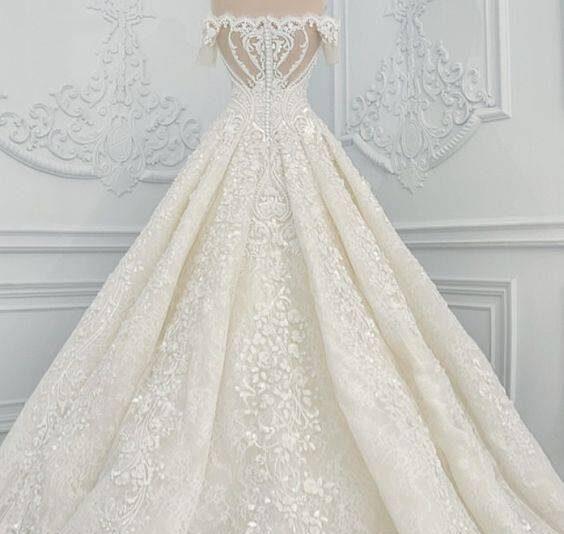 لباس عروس دنباله دار و زیبا برای عروسی