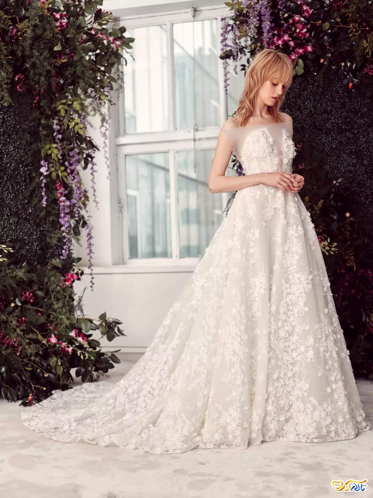 لباس عروس شکوفه دوزی
