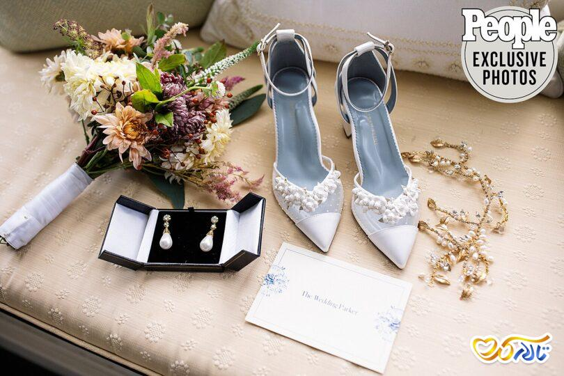 کفش عروس منجوق دوزی شده