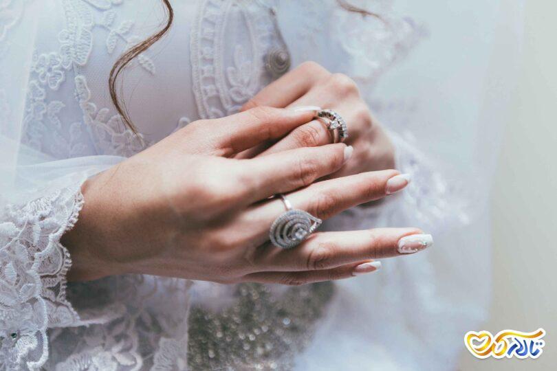 حلقه و جواهر عروس