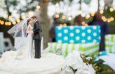 هدیه دادن پول نقد به عروس و داماد