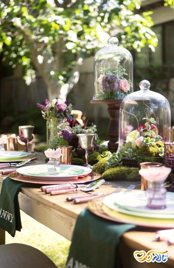گل آرایی بر روی میز مهمان