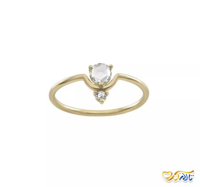 انگشتر نامزدی الماس و طلای زرد با نگینی به شکل گل