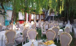 صندلی ها و چیدمان باغ تالار کلاسیک