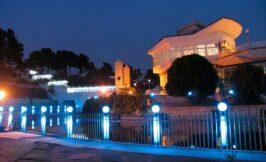 باغ و فضای باز و دریاچه باغ تالار دارایی