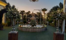 حوض و دکوراسیون فضای باز باغ عمارت مجلل یاسین