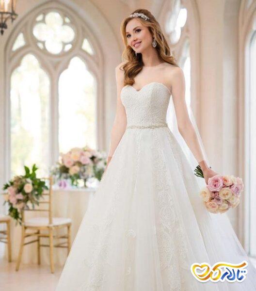 لباس عروس دکلته قلبی