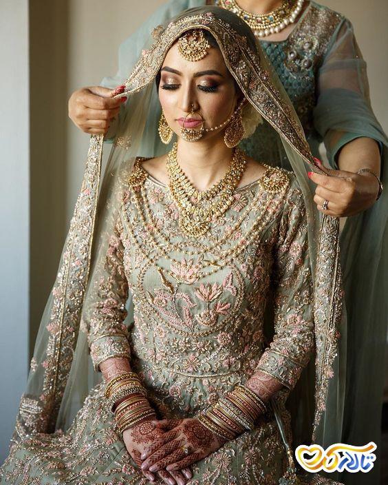 لباس عروس طرح دار و زیبا