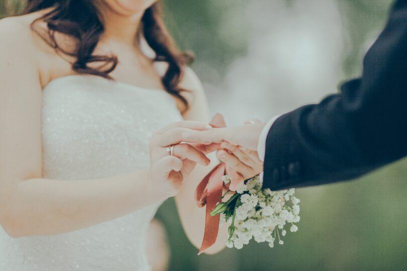 عروس و داماد و مراسم نامزدی
