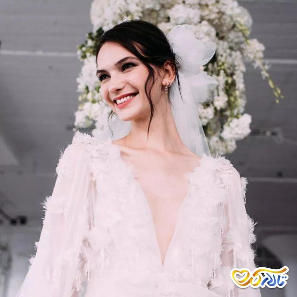 لوازم آرایش همراه عروس