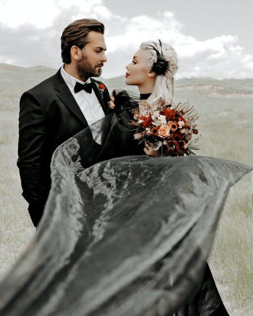 کت و شلوار داماد و لباس عروس