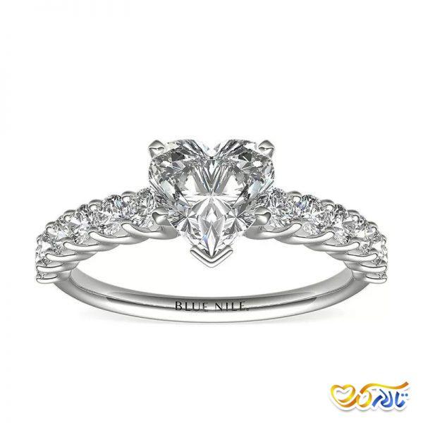 انگشتر الماس با شکل قلب