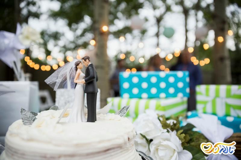 چگونه در عروسی به جای هدیه درخواست پول از میهمانان کنیم؟